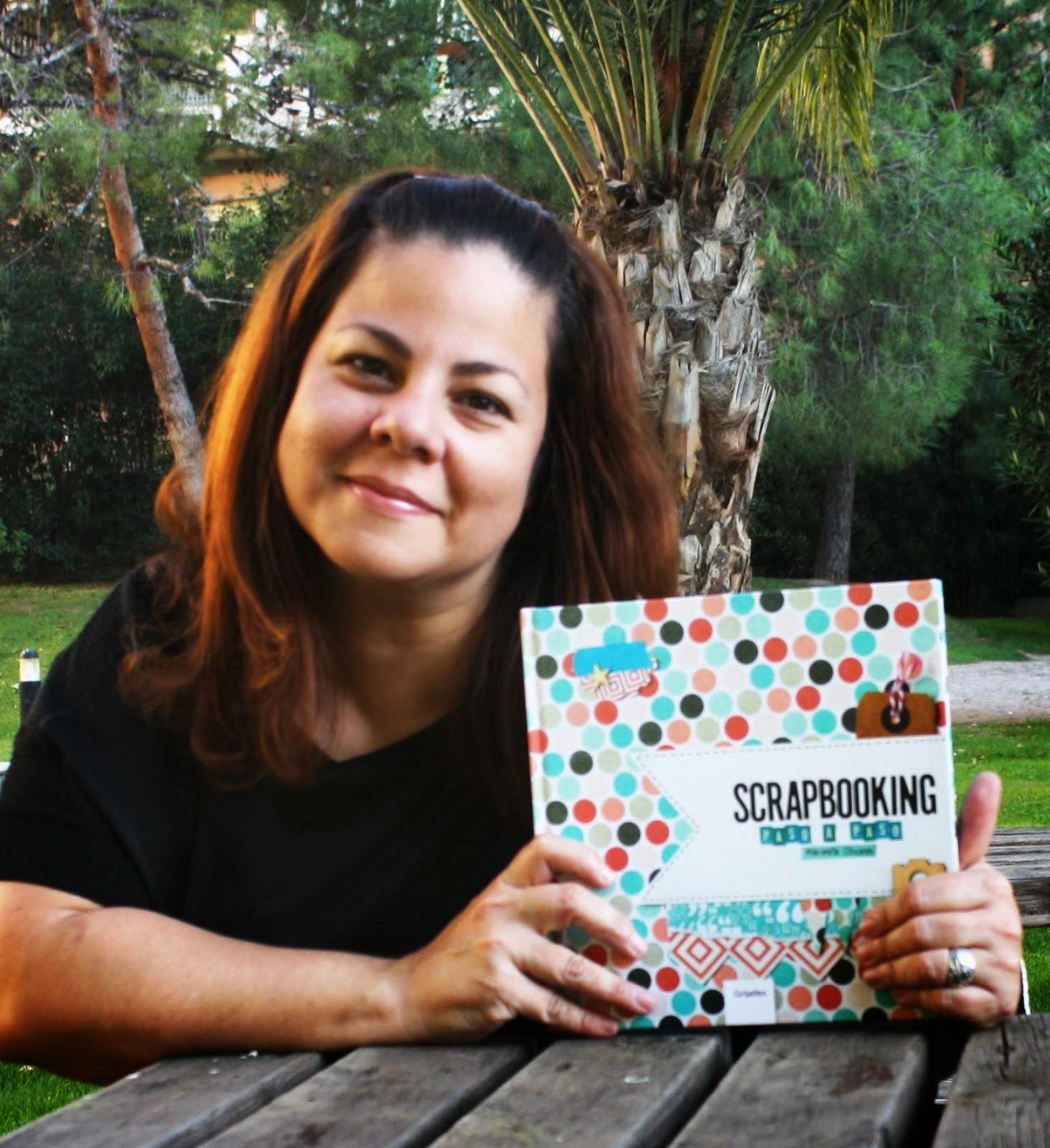Autora del Libro Scrapbooking Paso a Paso
