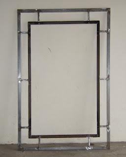 Caixilho de metal para emoldurar o quadro de vasos da horta vertical