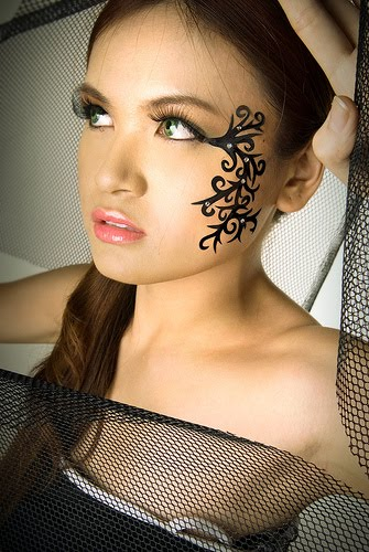 bodypainting and tattoos face tattoo girl. Black Bedroom Furniture Sets. Home Design Ideas