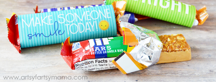 Make lunchtime a little happier with Free Printable Encouraging Lunch Box Notes! artsyfartsymama.com #PeanutButterHappy