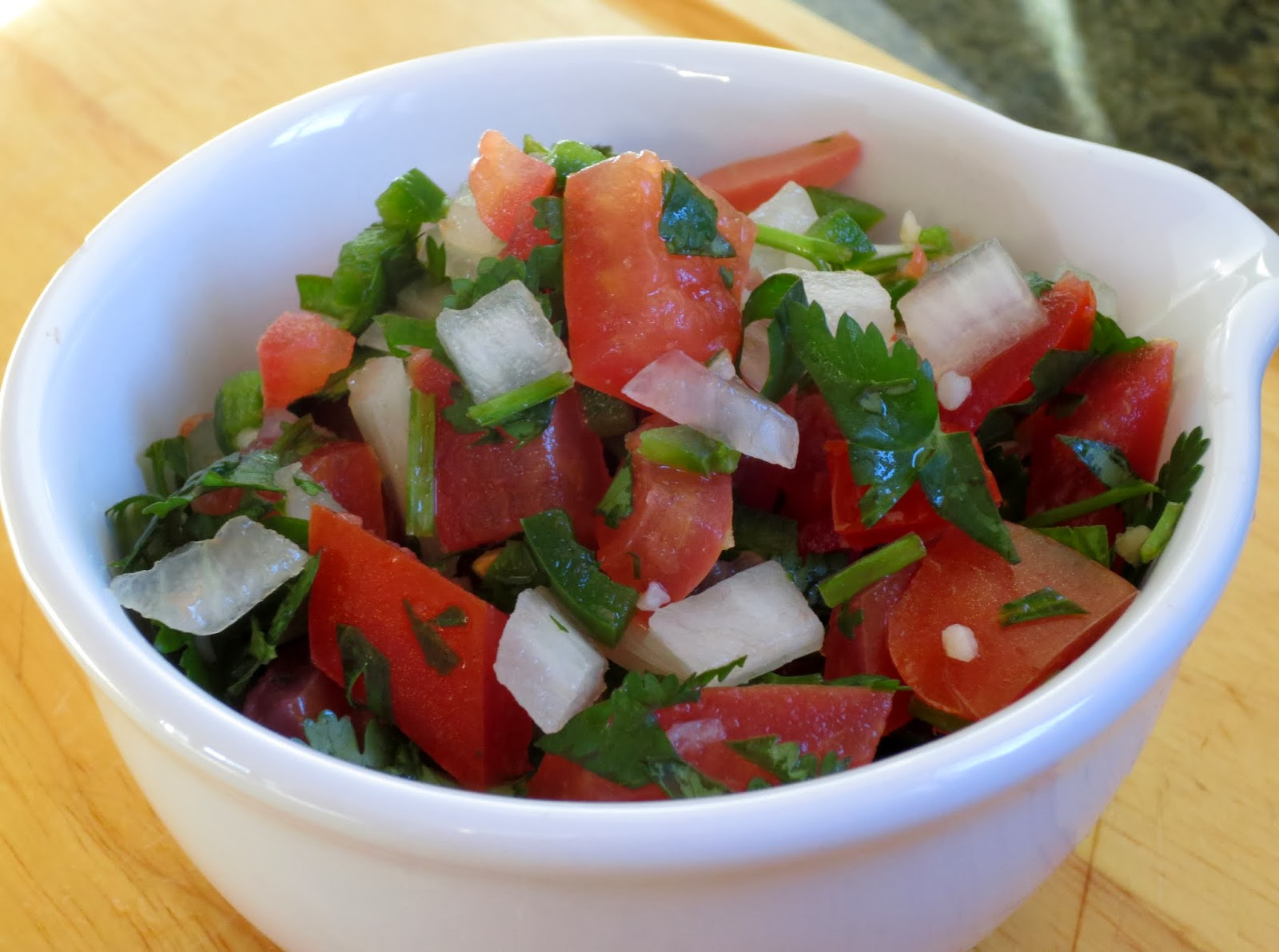 how to make homemade pico de gallo - easy