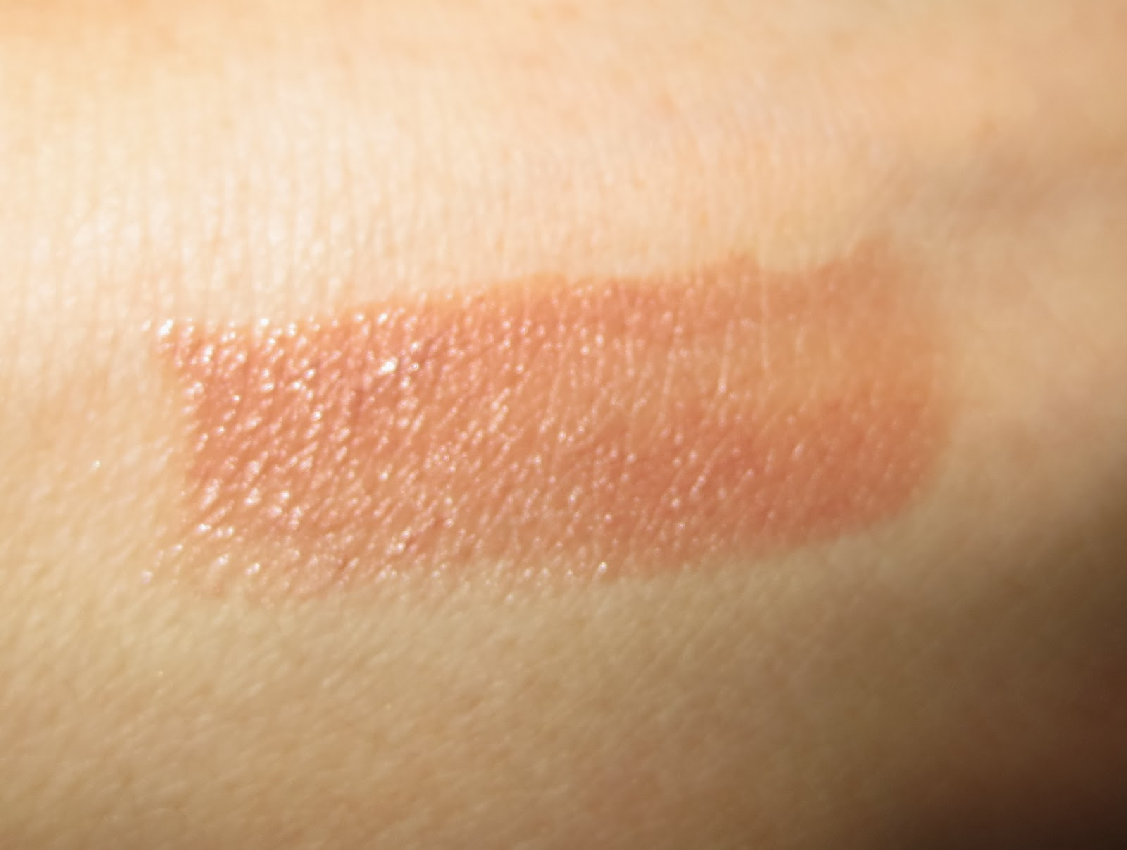 Maybelline Color Sensational The Buffs in Truffle Tease swatch