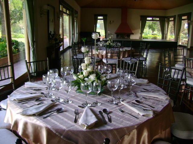 Decoraci n floral aura rosa camacho matrimonio flores blancas - Camacho decoracion ...