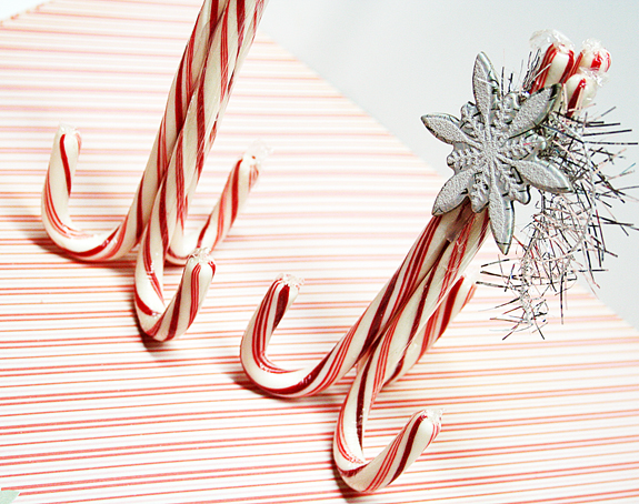 Homespun with Heart: candy cane place card holders...