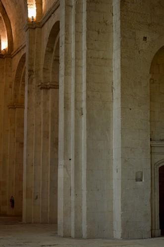 7  Eglise Haute - Abbaye de Montmajour