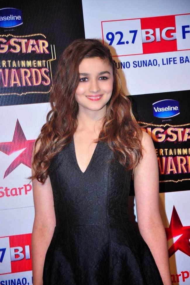 Alia Bhatt At BIG STAR Entertainment Awards 2014