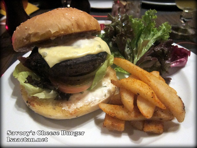 Savory's Cheese Burger