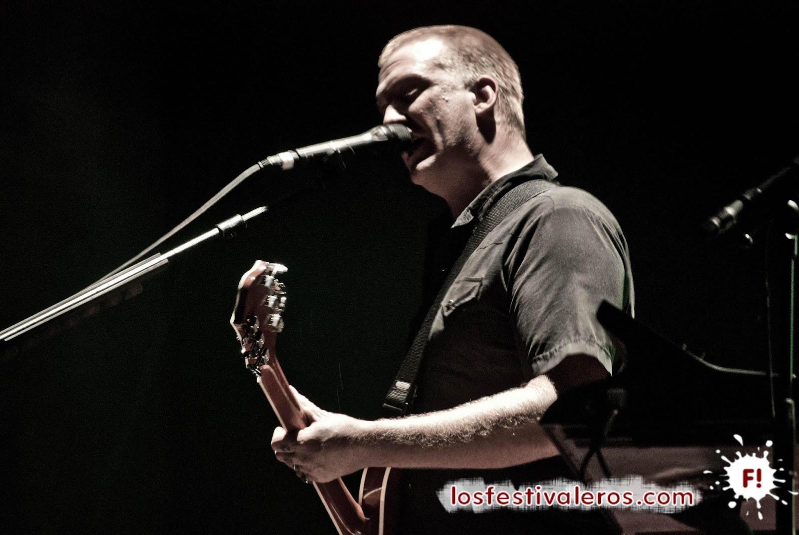 Josh Homme, Queens of the Stone Age, Concierto, Directo
