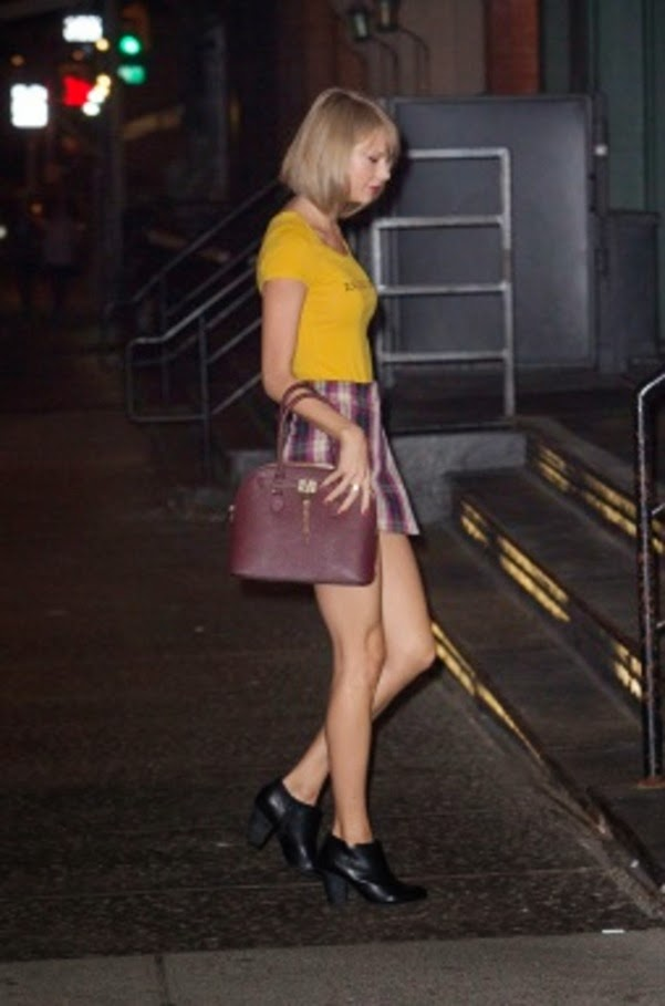 Street Style_Taylor Swift Arrives at Her Hom