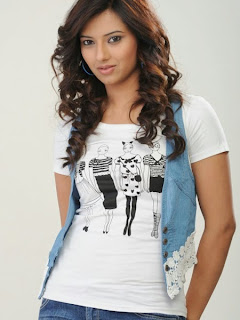 Isha Chawla on a T Shirt  (3).jpg