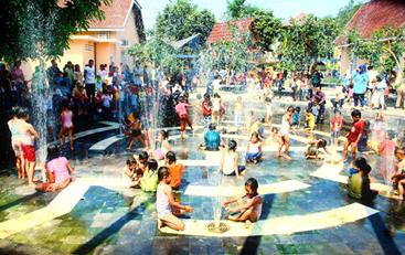 Kolam air muncrat Taman Pintar Jogjakarta