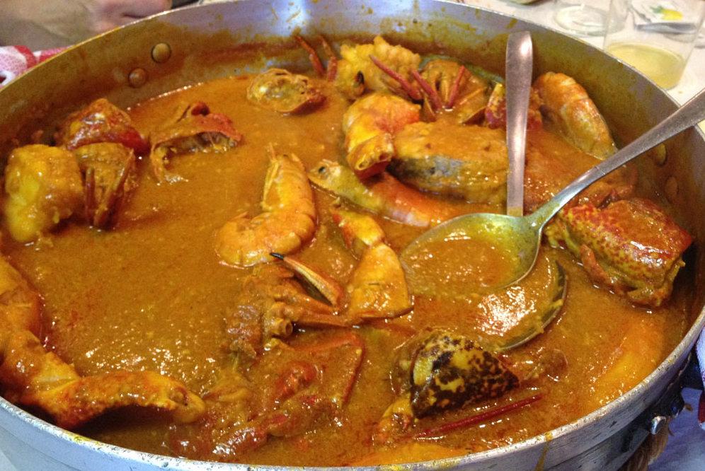 La muy digna caldereta de pescado y marisco - Caldereta de langostinos ...