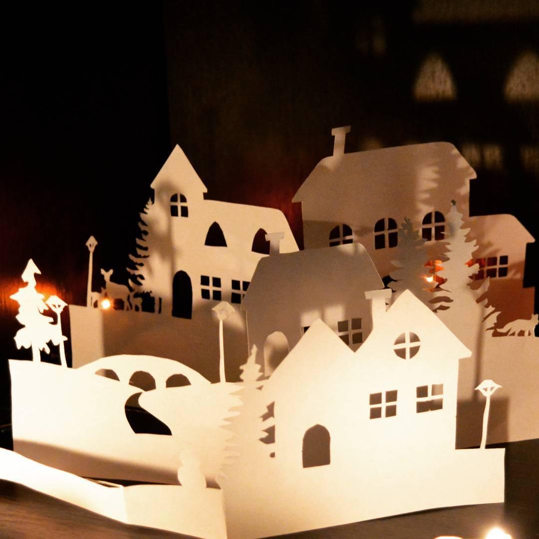 Картонный домик к новому году