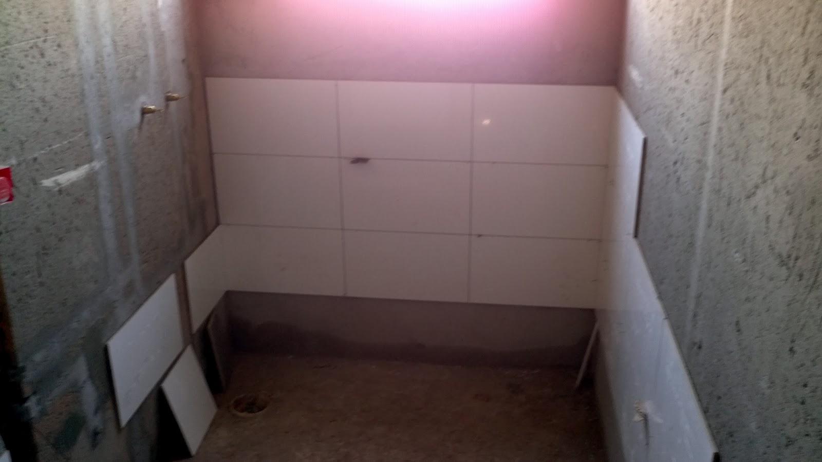 #913A67 Casa do Renato e da Gi: Gesso e Revestimentos Iniciado Cooktop  1600x900 px Banheiro Parede Gesso 2453