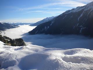 Das Bild zeigt übrigens einen Blick von der Gerlos-Mautstraße über unseren Pinzgau hinweg (Foto: Karin Hofer-Prassl) :-)