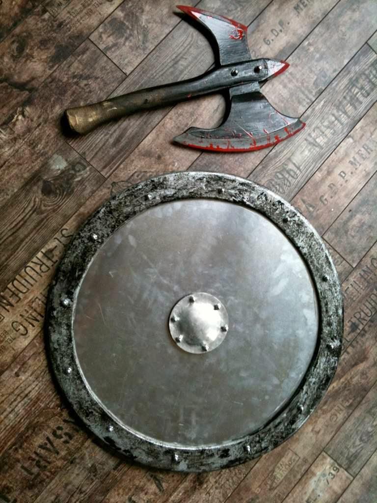 vikings Ragnar Lothbrok axe