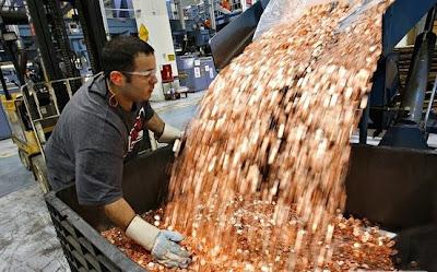 Samsung pays Apple $1 Billion sending 30 trucks full of 5 cent coins