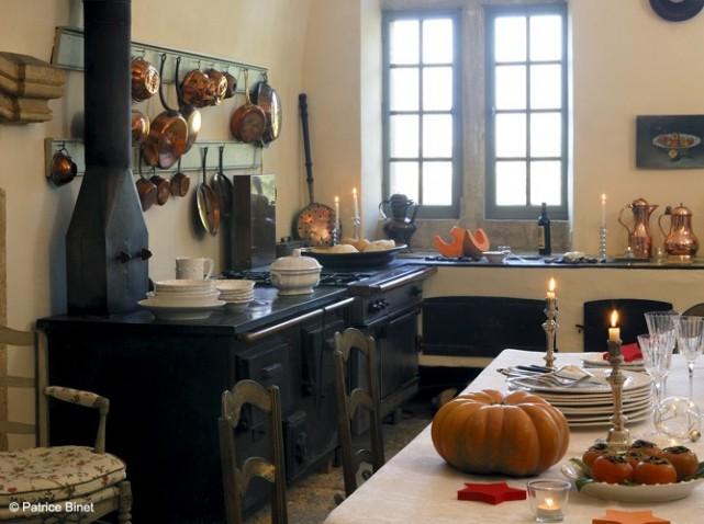 szoba kil t ssal rusztikus francia konyh k. Black Bedroom Furniture Sets. Home Design Ideas