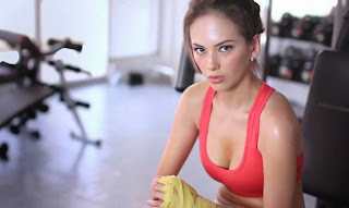 Ellen Adarna prepares workout
