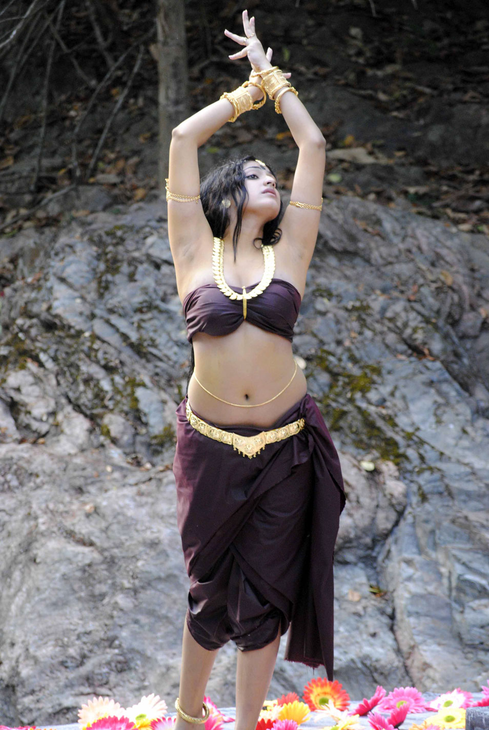hari priya spicy new , hari priya hot photoshoot