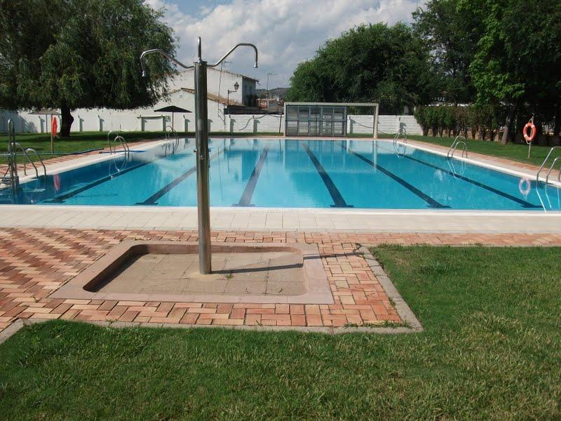 Adamuz turismo sostenible 28 08 11 4 09 11 for Piscina municipal cordoba