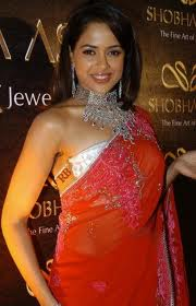 Sameera Reddy hot in saree Bollywood Actress-2