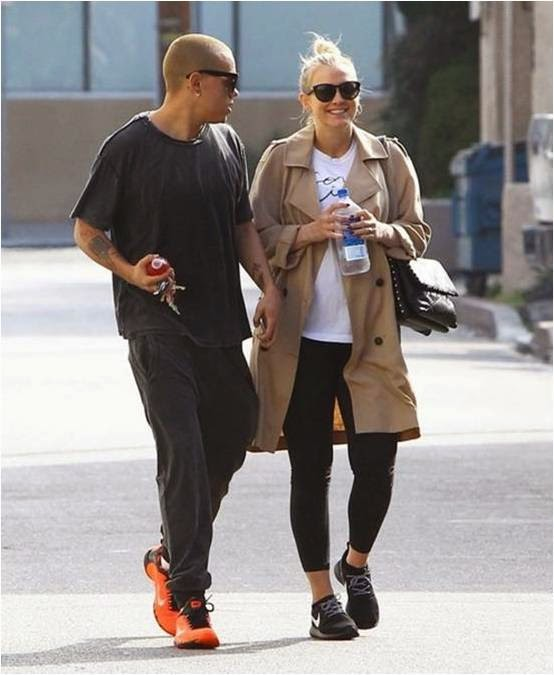 Ashlee Simpson WearsBlack Seamless Leggings