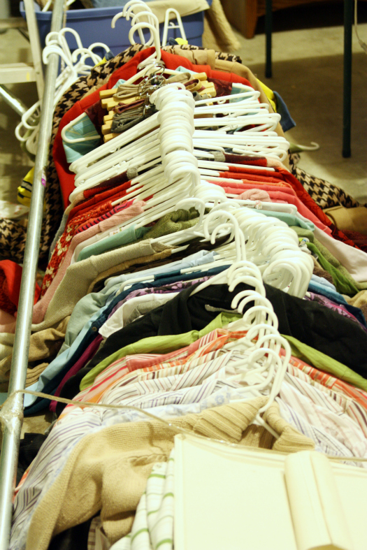 I Organizing: Project Purge: An ORGANIZED Garage Sale on homemade round clothes rack for garage sale, ghetto garage sale, yard sale, ideas for garage to hang clothes on sale,