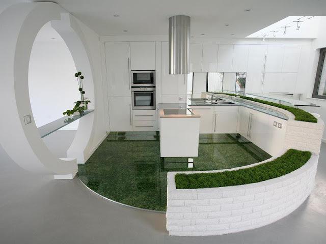 cuisine originale et design de couleur blanche avec de l'herbe