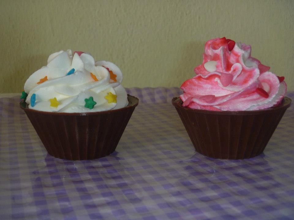 Candy Atelier  Cupcake Casquinha de Chocolate 369d1fc71f6