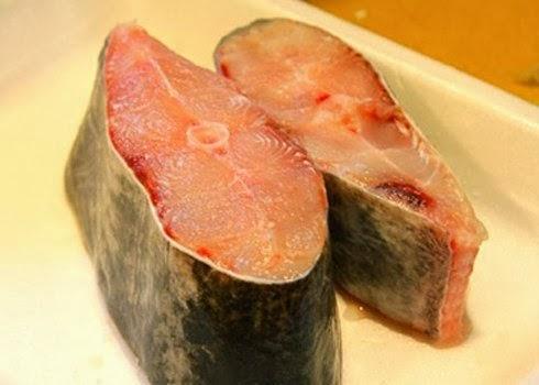 Những cách làm giảm mùi tanh của cá