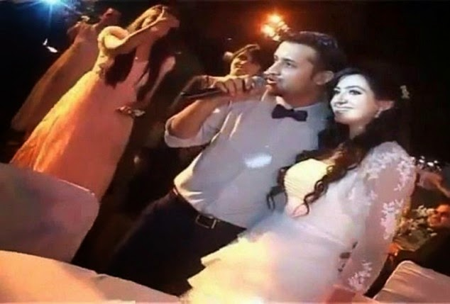 Atif Aslam Singing A Song At His Valima Ceremony Unseen Pictures With Wife