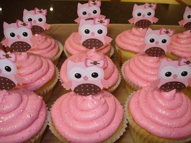 Girl&#39;s baby shower cupcakes
