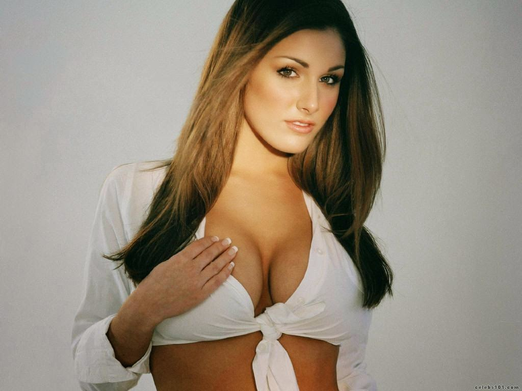 Lucy Pinder hot photo 003