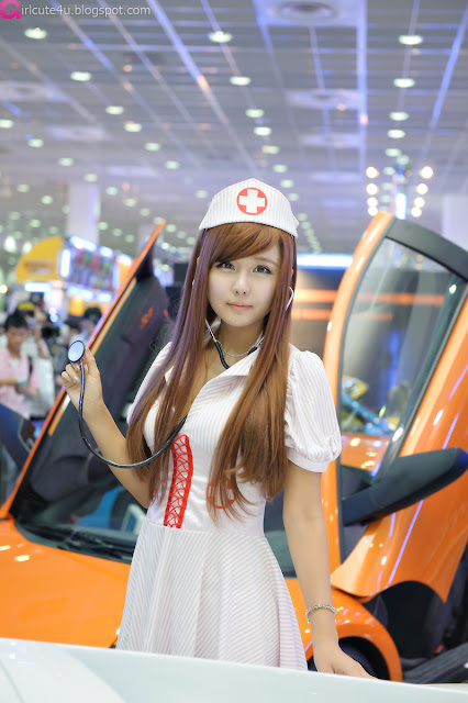 5 Ryu Ji Hye - Seoul Auto Salon 2012 [Part 2]-Very cute asian girl - girlcute4u.blogspot.com