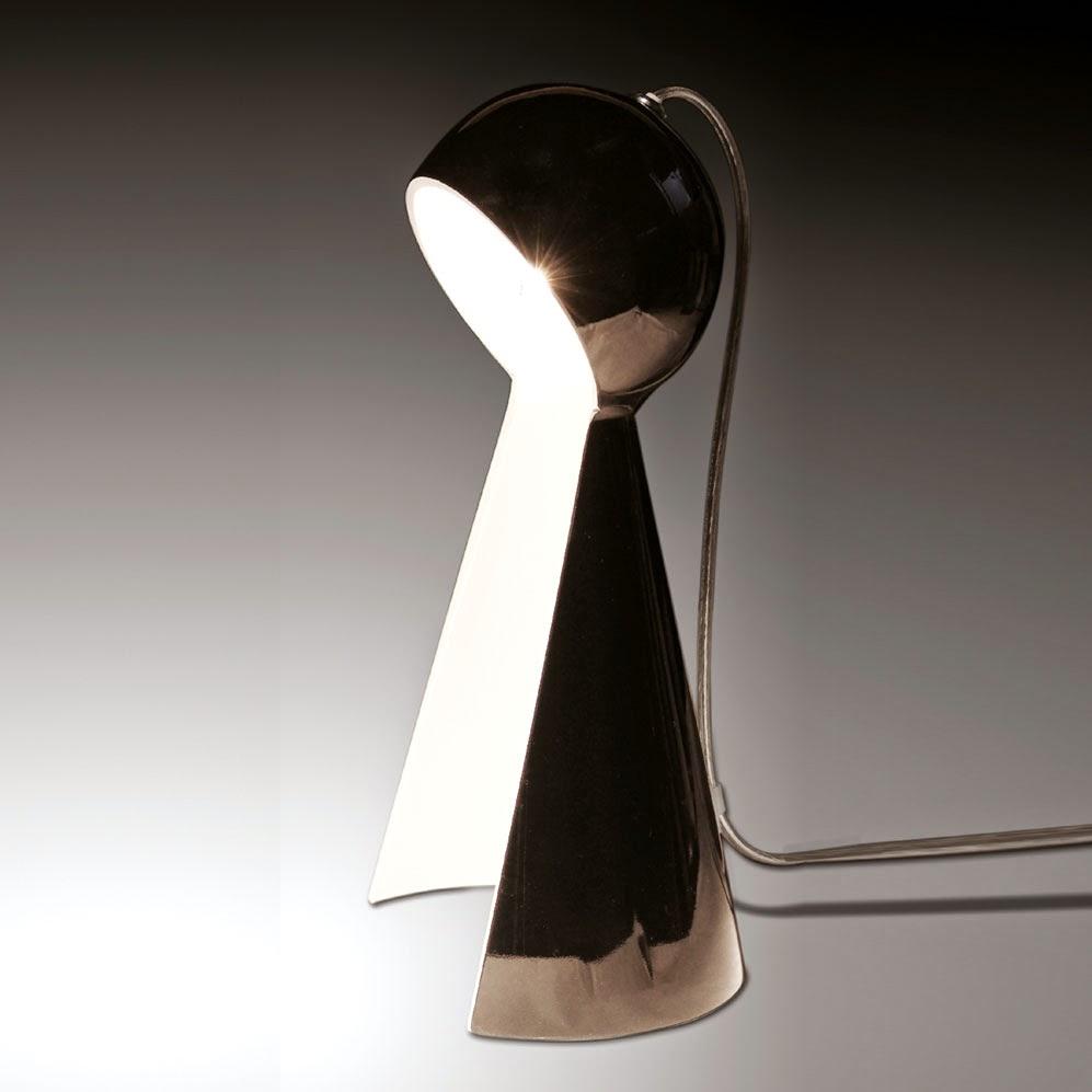 tischleuchten aus glas und kristall schwarze designer tischleuchte aus glas pawn. Black Bedroom Furniture Sets. Home Design Ideas