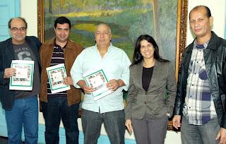 Ronaldo Fialho (esq.) Leonardo Vasconcelos, José Carlos Cunha, Fernanda Amaral, da CEG e Nélson Freitas, da Água Grande
