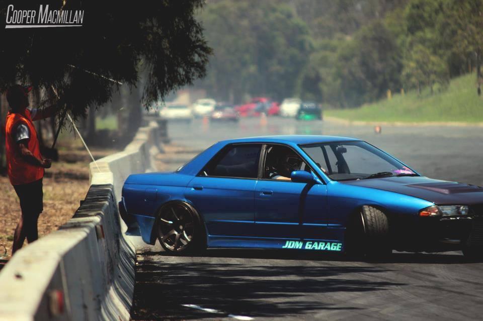 Nissan Skyline R32, najlepsze samochody do driftu, sport, japońskie driftowozy, godzilla, kultowe auta