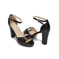 Sandale cu platforma Modlet, negru lac, din colectia Crono (modlet)