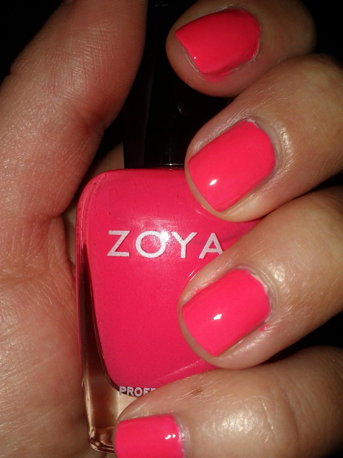 Lipgloss Break: zoya nail polish