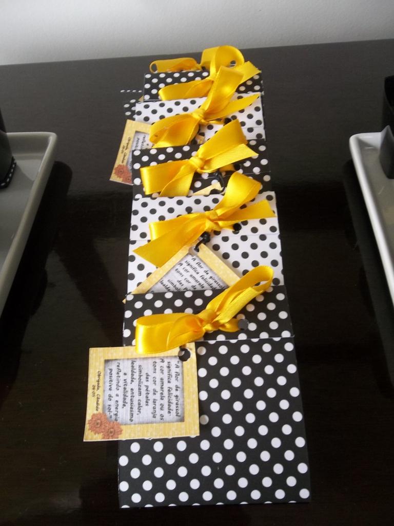 decoracao azul e amarelo para aniversario: de girassol para agradecer e desejar o que há de melhor para os