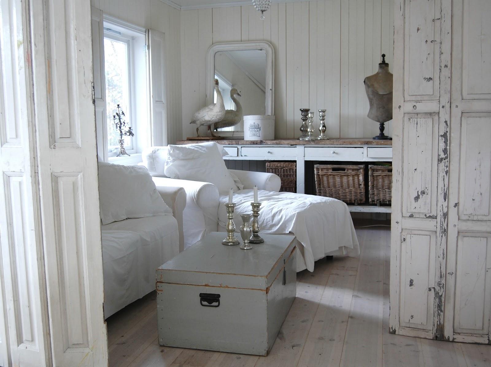 alberte l rdag og h stferie. Black Bedroom Furniture Sets. Home Design Ideas