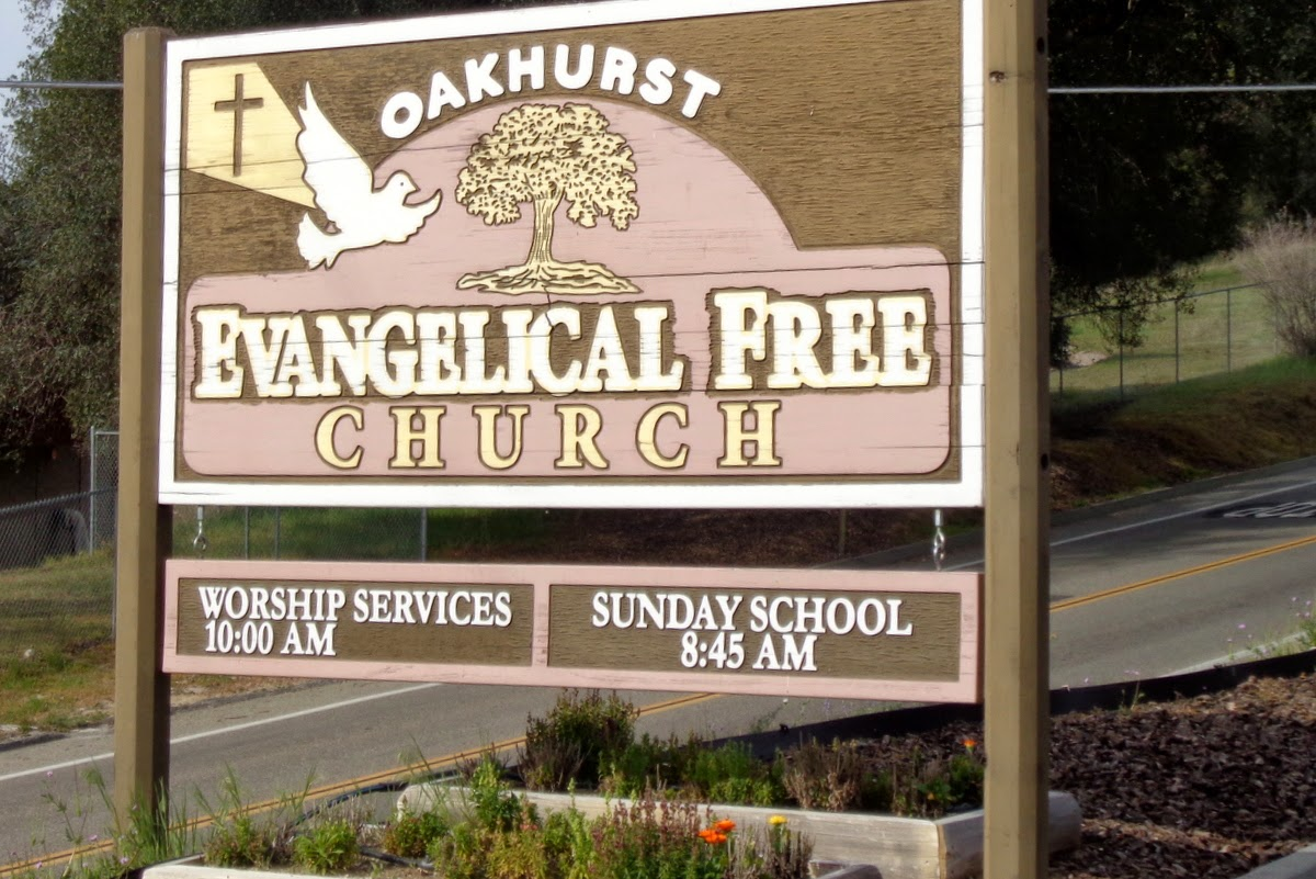 Oakhurst Evangelical Free Church sign