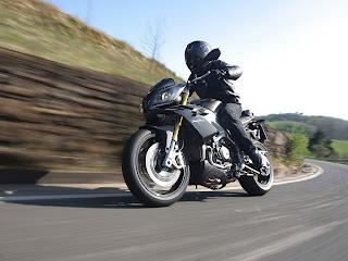 Gambar Motor Aprilia Tuono V4R 2012 #1