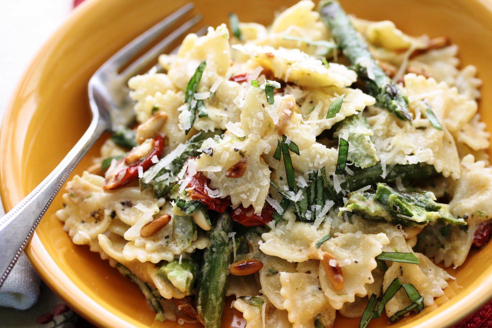 Pasta with Oven Roasted Tomatoes, Roasted Asparagus and Boursin Cheese ...