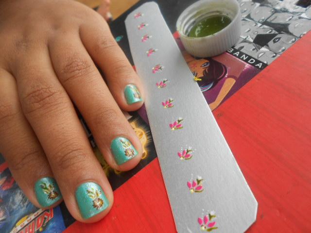... da Susy: Lindas unhas decoradas com adesivos feitas na caixa de leite