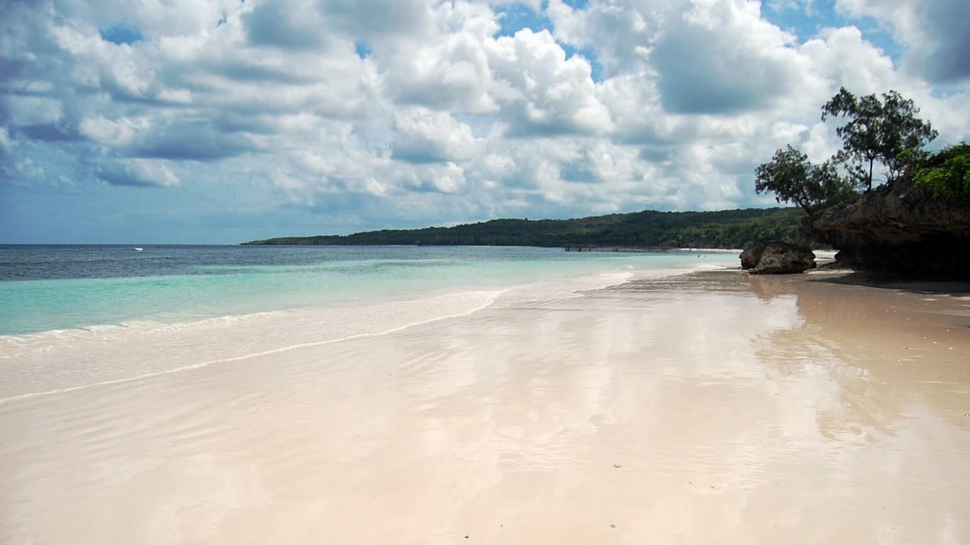 Tanjung Bira, Pantai Pasir Putih nan Eksotis di Bulukumba, Sulawesi Selatan.