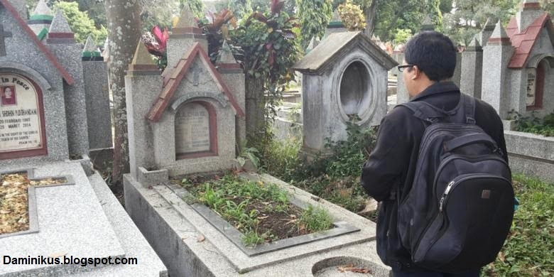 Yuk Lihat Bagaimana Makam Tante Dolly di Malang [Pendiri Gang Dolly]