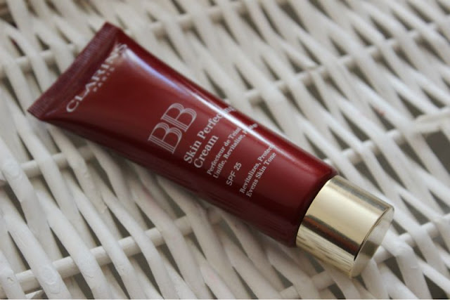 clarins bb skin perfecting cream review the sunday girl. Black Bedroom Furniture Sets. Home Design Ideas