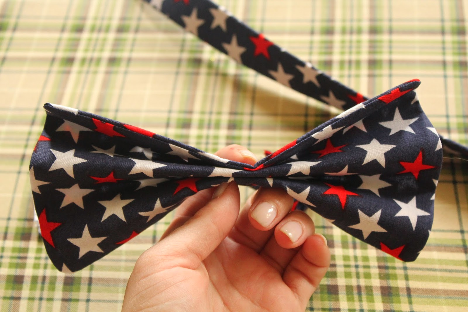 how to make an assymetrical collar with bow